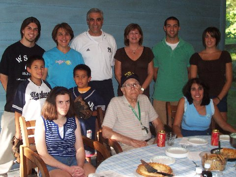 The whole family:(TOP); Dan, Gerry, Pat, Joanne, Patrick & Courtney. (MID) James & Ruben (BOT Me, Grandpa & Mom.