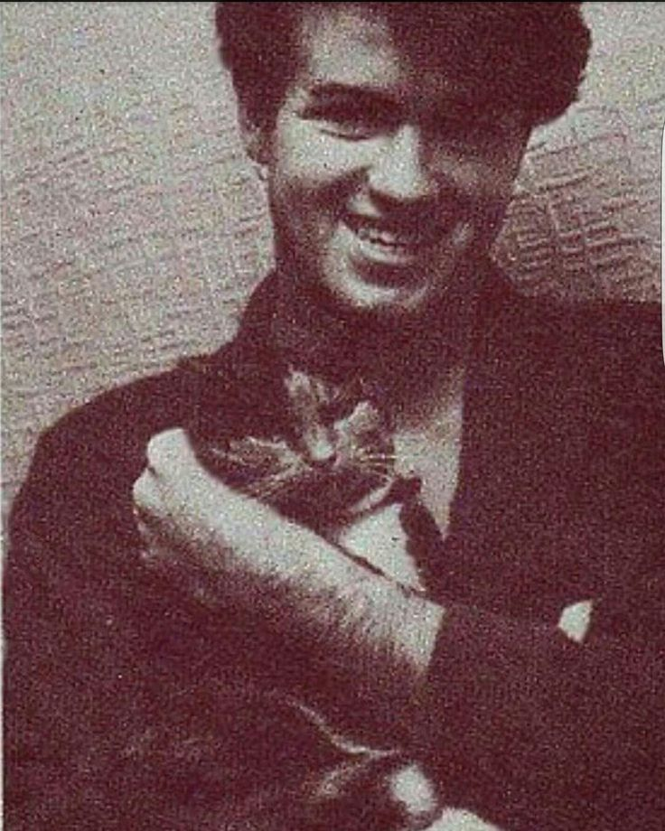 Although he had dogs, George loved all animals. As a boy, he had a passion for cats
